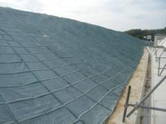 アルカリ土壌(石灰処理をした盛土)の植生マットによる緑化